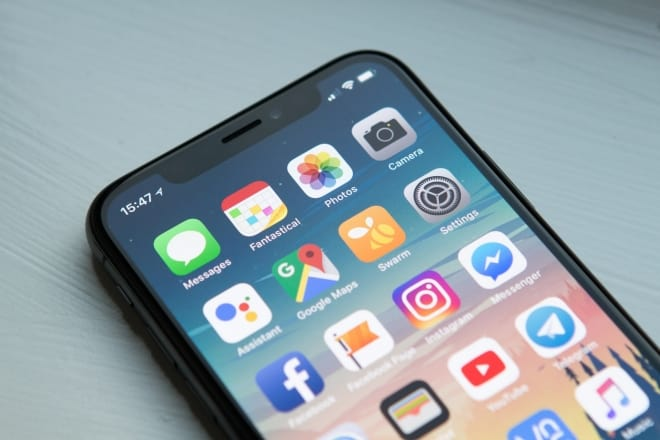 iphone with apps